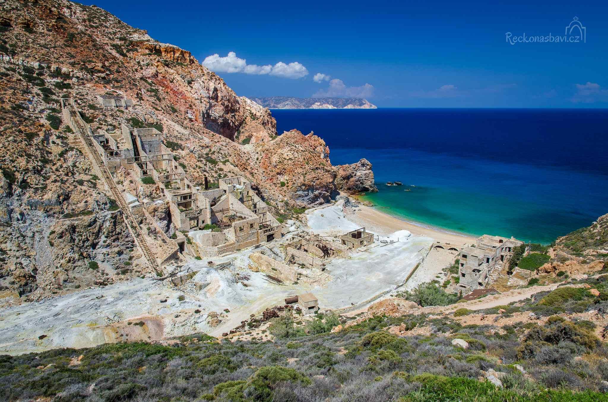 Thiorichio (Old Sulphur Mines) opuštěný důl na síru s úžasnou pláží!