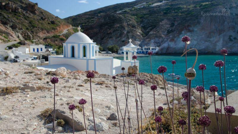 kostelík v rybářské vesničce Firopotamos