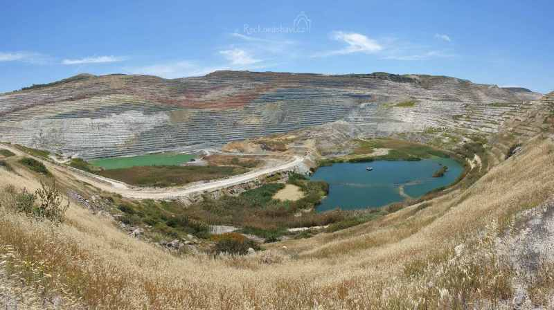 bentonitový důl