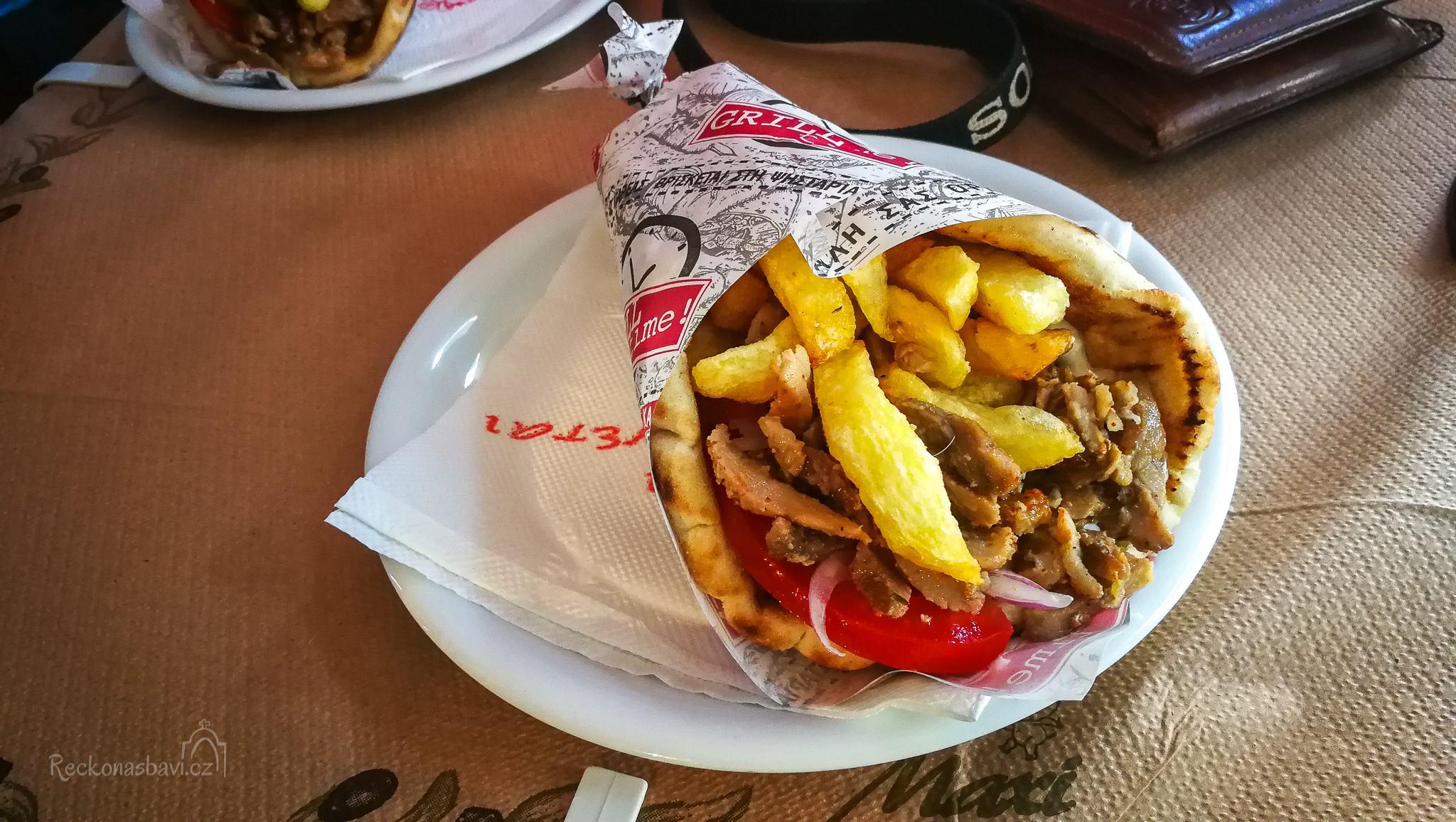 Gyros chirino (vepřový) - to je základ řecké streetfood gastronomie