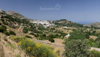 na cestě k vyhlášené vesničce Apiranthos!