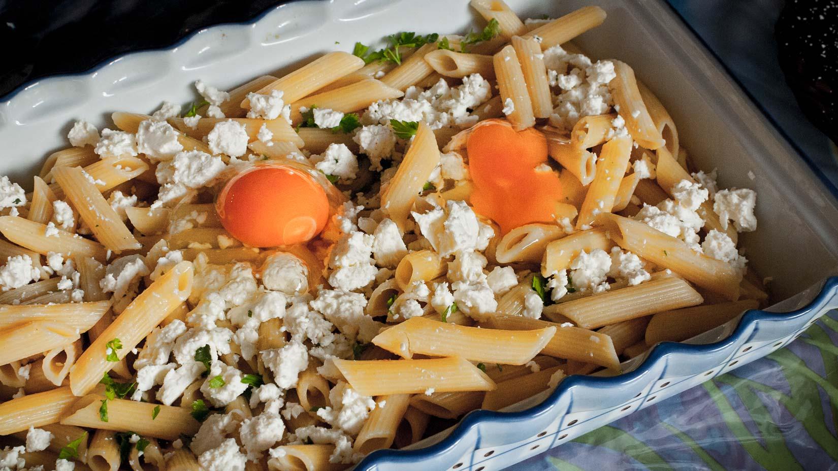Balkánského sýra dejte do těstovin přiměřeně svým chutím, množství v receptu je orientační