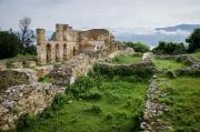 baziliku Agios Achilleios nechal postavit bulharský car Samuel koncem 10. století