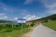 """Vítejte ve Psarades - v překladu znamená vesnice slovo """"rybáři"""""""
