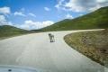 první setkání s pasteveckým psem, hned nám začal žrát kola za jízdy