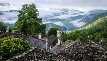 ranní mlhy u obce Kapesovo