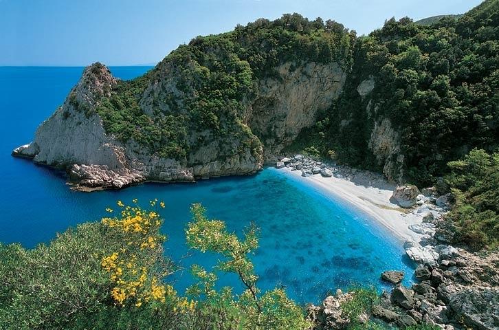 11-1-Fakistra-beach