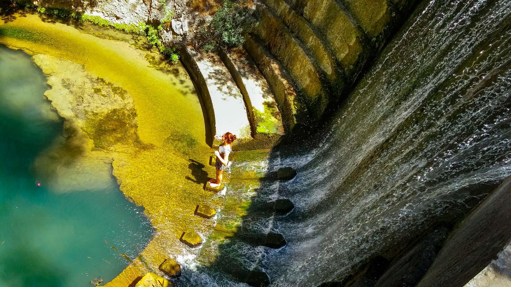 Umělý vodopád pod Sedmi prameny