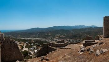 Kamenná řeka pod hradem Asclipio měří čas jinými jednotkami než my lidé...