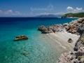 další ze skrytých pláží, kde nás překvapení Řekové zdraví a odcházejí na siestu :)