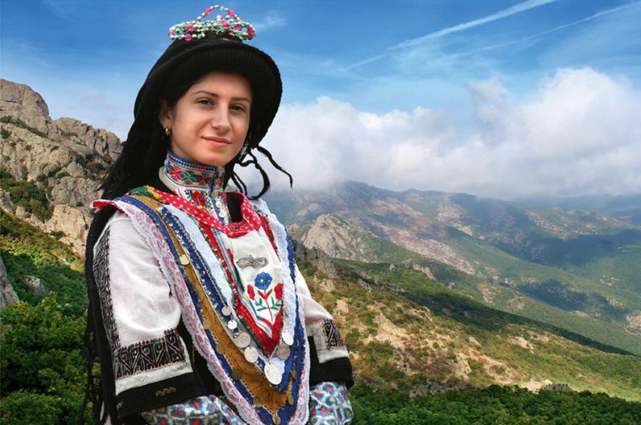 Ukázka ženského kroje Sarakatsani (foto: SlavaBogur, CC)
