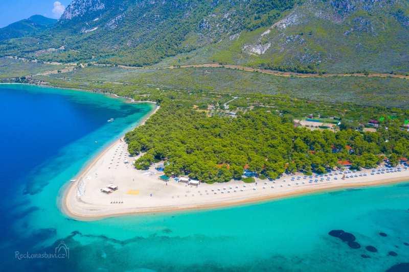 """Gregolimano - soukromá pláž jen pro """"vyvolené"""""""