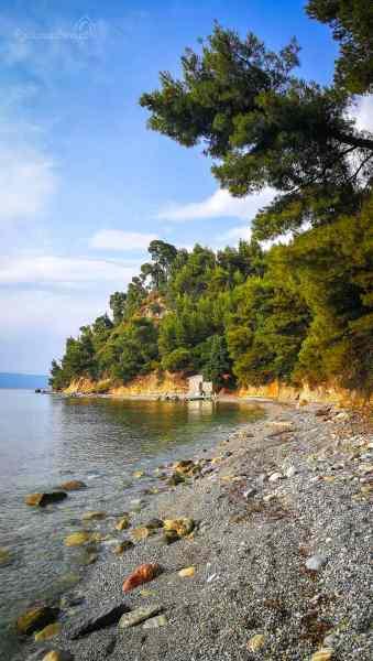 Koutsoupri beach s malou kaplí