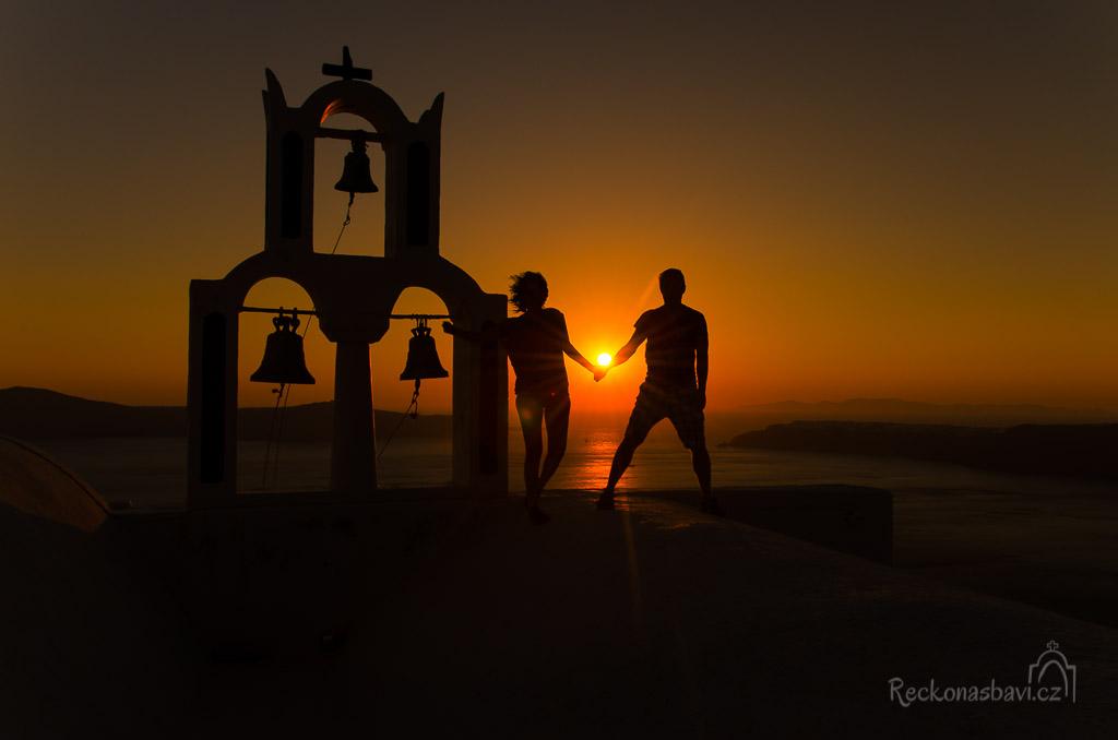 vychutnáváme si západ slunce ve dvou...dneska vlastně ve třech :)