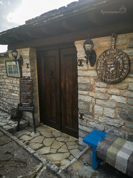 Rachi – u Kostase a Dory