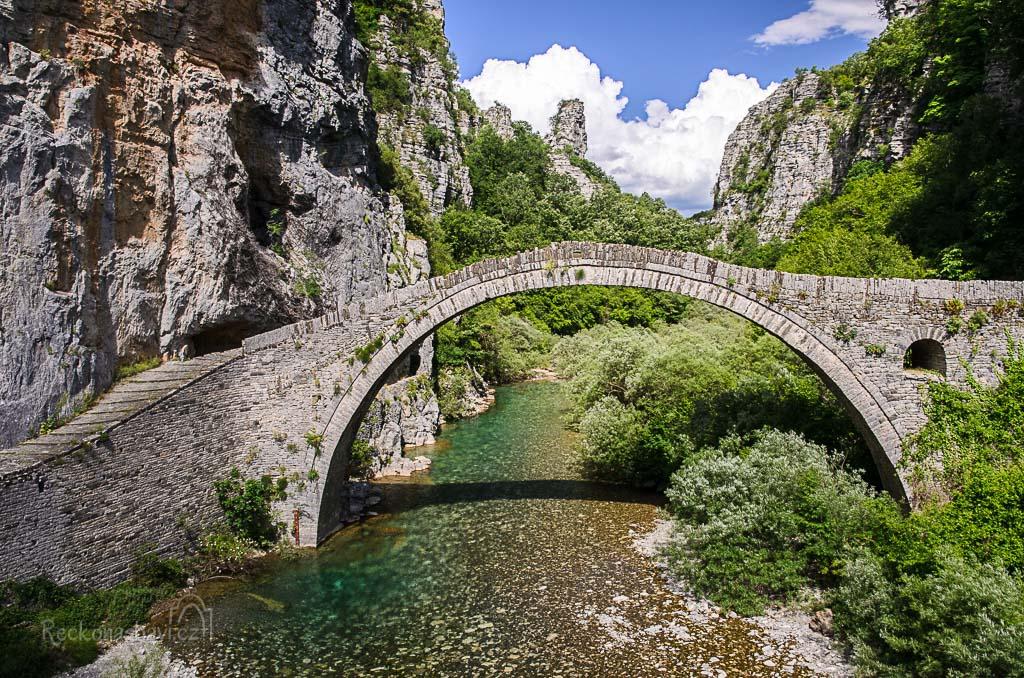 ... most Kokkoros (Noutsos) z roku 1750 ...