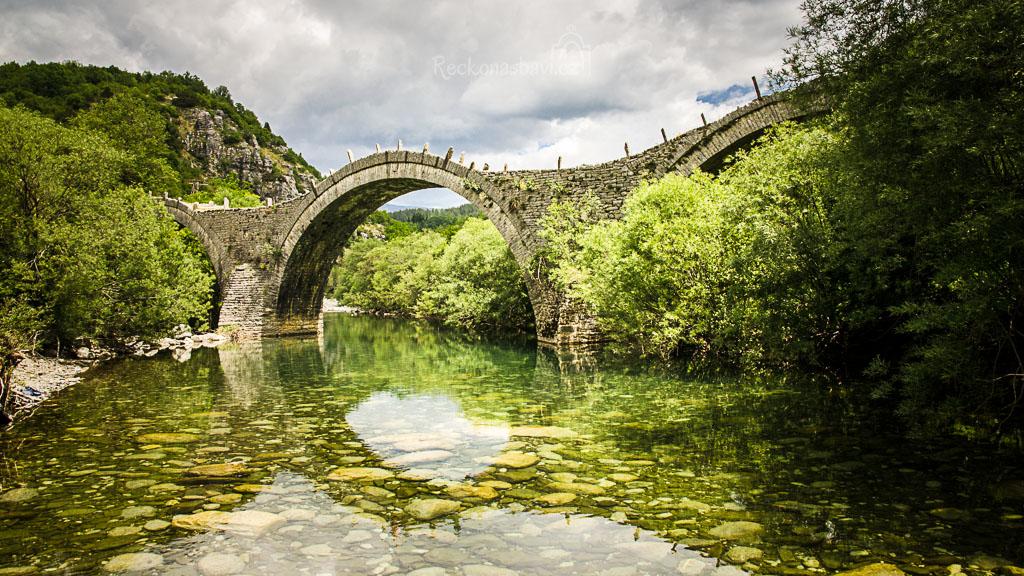 ... most patří k nejfotografovanějším památkám celého Zagori ...