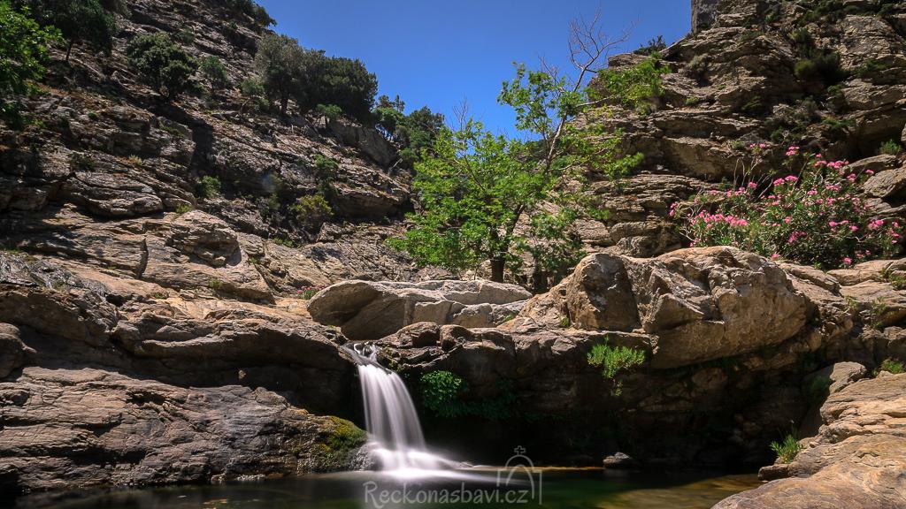 Chalares kaňon - nejdelší kaňon na Ikarii s desítkami vodopádů!