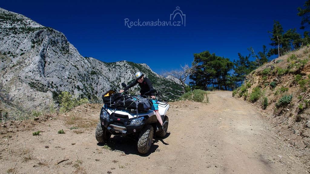 čtyřkolka Kymco 250cc na ostrově Samos (půjčovna MIRTO Votsalakia)