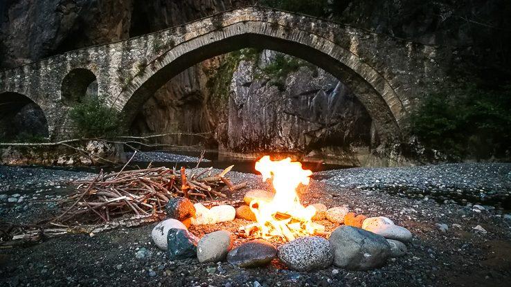 gefiri Portitsa gorge Spileo