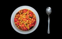 Fasolada - tradiční fazolová polévka z Řecka