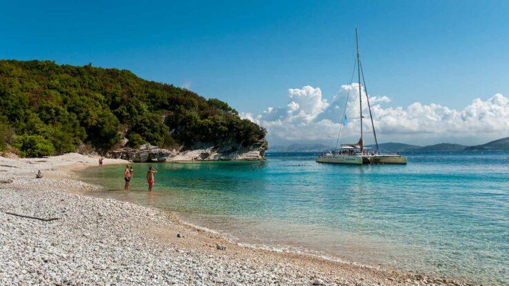 Pěší výlet z Avlaki beach k Akoli beach a zpět