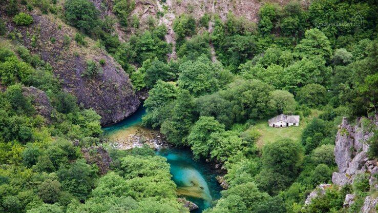 Voidomatis Springs Trail - túra k prameni řeky